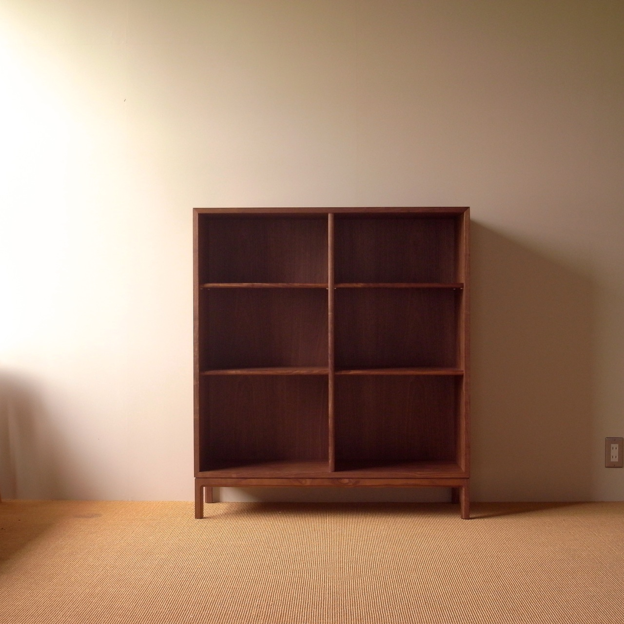 bookshelf W : 1000mm   D : 350mm  H : 1100mm material : Walnut