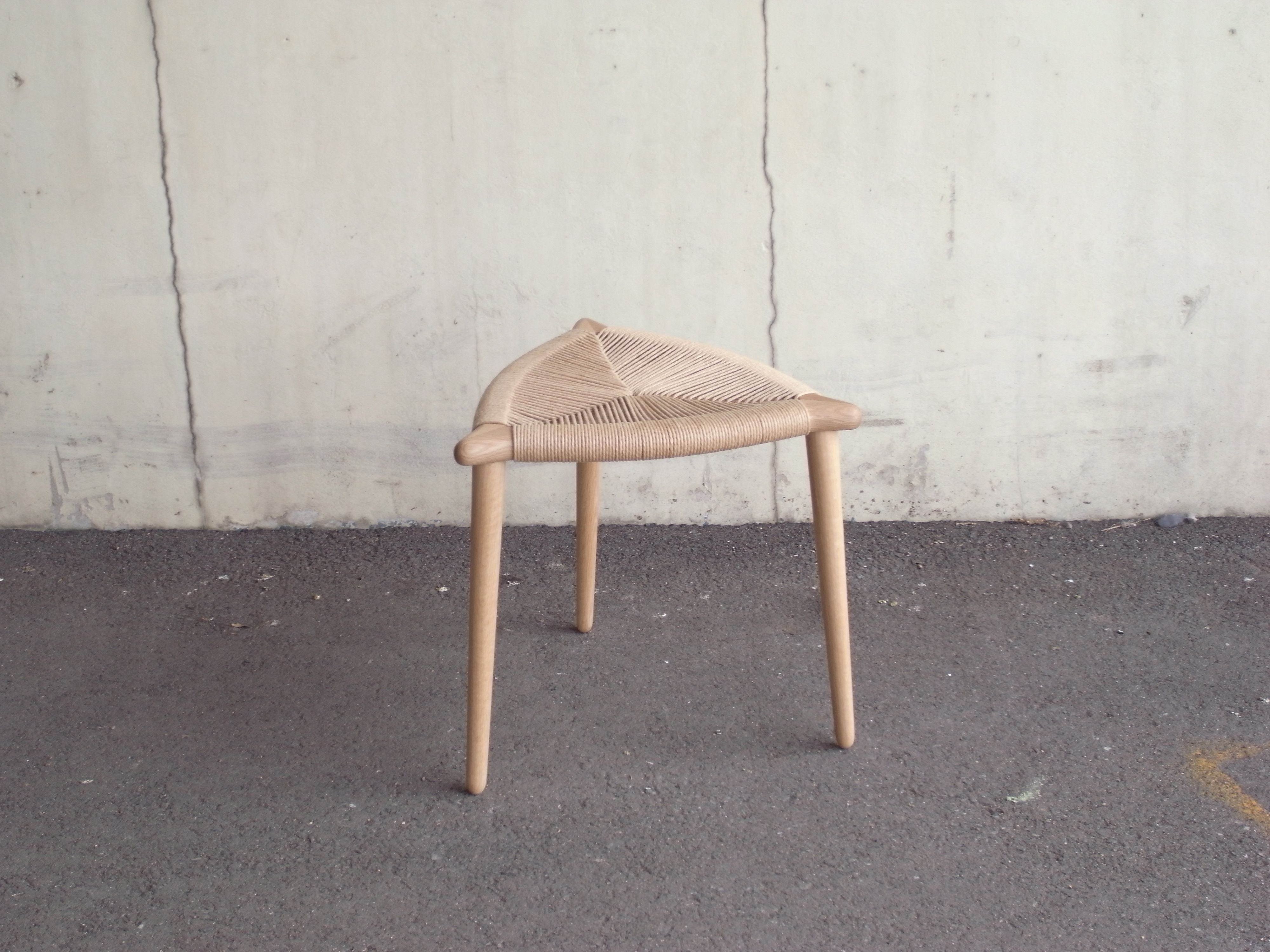 "Three legs stool ""bow"" W : 460mm  D : 430mm   H : 430mm  material : oak, paper cord finish : wax"