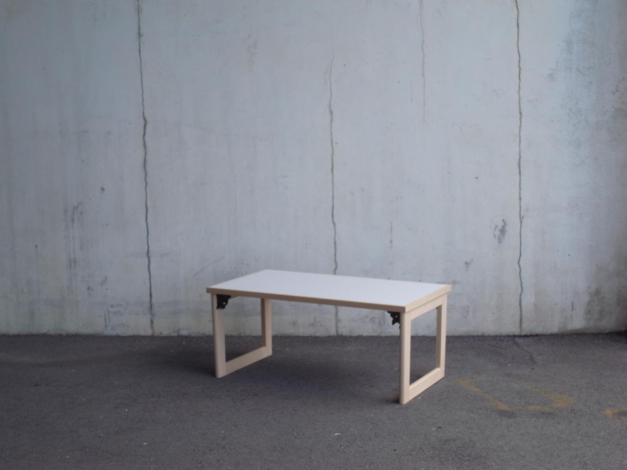 low table w : 800 mm d  : 450 mm h  : 350 mm   material : beech , melamine