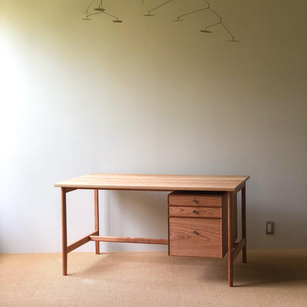 desk / 学習机