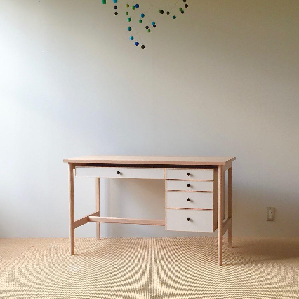 linoleum_desk