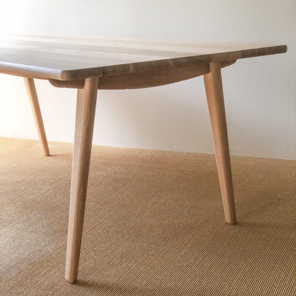 dining table / ダイニングテーブル