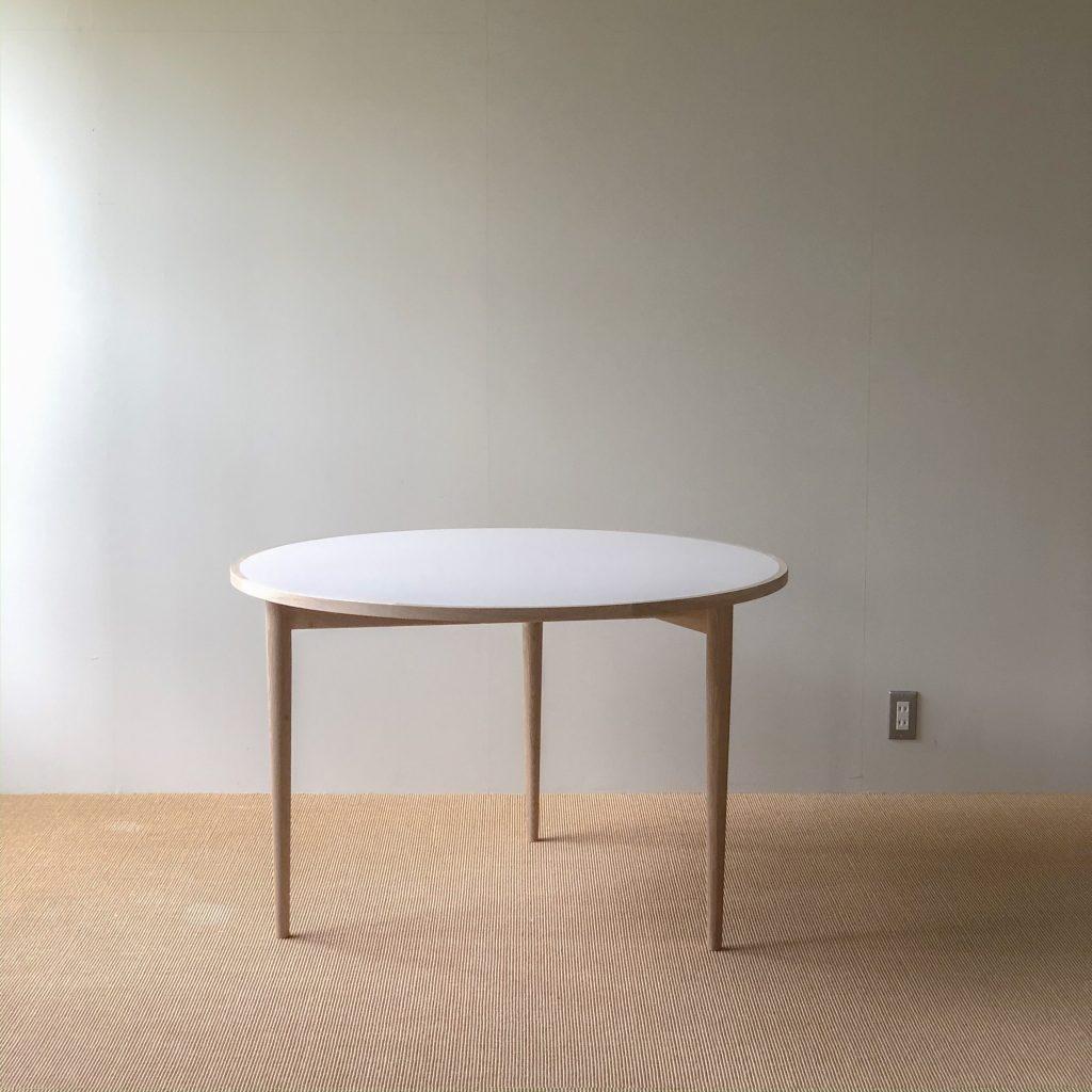 リノリウム/ 丸テーブル